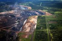 Qld accused of indefensible and reckless support of Carmichael coal mine