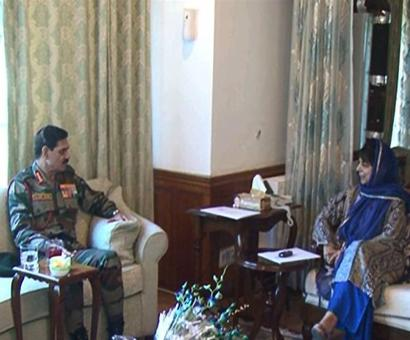 Army chief discusses security situation in Kashmir with Mehbooba