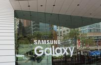 Everything We Know About The Samsung Galaxy S7 And LG G5