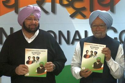 Manmohan Singh releases Congress manifesto, promises better future for Punjab