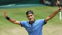 Halle Open: Roger Federer cruises past defending champ Florian Mayer into semis