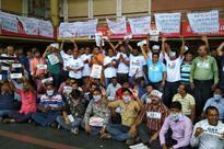 Delhi cloth traders in a quandary over GST, continue protests