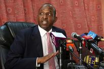 Raila goes for Duale's neck with his latest demand