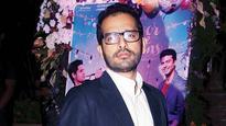 Kapoor & Sons director Shakun Batra is 'Pappu' in the song 'Pappu Can't Dance Saala'