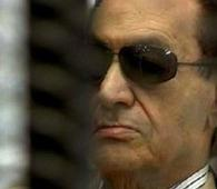 Court ruling favors Hosni Mubarak but he stays in jail
