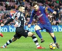 Barcelona win as Coutinho waits, Real Madrid held