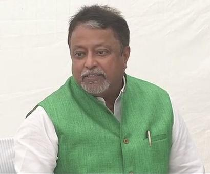 With a 'heavy heart', Mukul Roy quits TMC