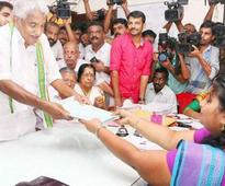 CM Oommen Chandy's nomination in Puthupally challenged during scrutiny