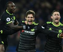 Leicester City 0-3 Chelsea: Alonso scores twi...