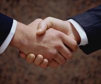 Iran's Azerbaijanis seek key role in Tehran-Baku trade