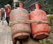 Crackdown on hotels flouting norms, BMC seizes 3,405 LPG cylinders