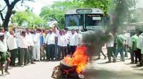 Sircilla fumes at K Chandrasekhar Rao, KT Rama Rao