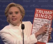 On SNL's Debate 3, Tom Hanks Plays Chris Wallace, and Clinton Plays Bingo