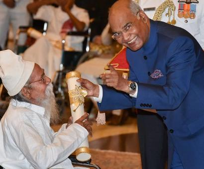 PHOTOS: President presents Padma awards to 43