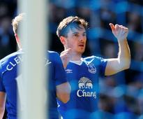 Baines gives Everton victory