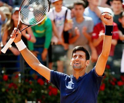 Djokovic eases into Rome semis after rain delay