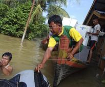 State of emergency in Sumatra after dozens die due to floods