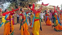 Holi celebrated across West Bengal, special programmes in Shantiniketan to mark Basanta Utsav