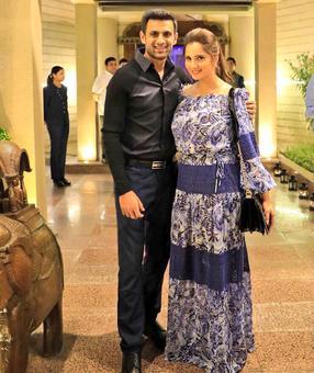 Shoaib Malik sends wife Sania a special birthday message