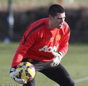 Victor Valdes worried for his safety while training alone at Manchester United