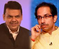 BMC election 2017: BJP-Shiv Sena alliance likely as Uddhav Thackeray shares stage with Devendra Fadnavis
