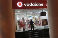 Banks fight for $40 million fee pot in advising on Vodafone India merger