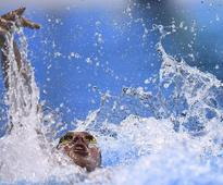 Lochte apologizes over Rio 'robbery' scandal