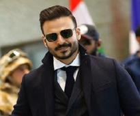 Vivek Oberoi returns to dark roles post Krissh 3, looks suave yet menacing in Vivegam