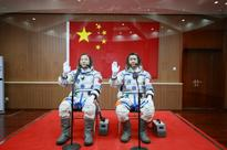 China's Shenzhou-11 manned spacecraft returns to Earth