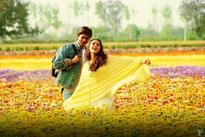 Throwback Thursday! SRK And Preity Have A Picture Perfect Moment In This Still From Veer-Zaara