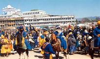 Thousands Converge At Keshgarh Sahib Shrine For Hola Mohalla