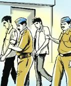 7 arrested with Rs 2 crore gold, deal in old notes suspected
