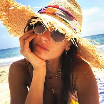 OMG! Is this Alessandra's most glam beach vacation ever?
