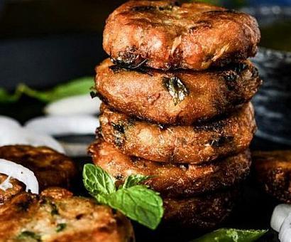 Modi bows to Hyderabadi cuisine, non-veg dinner for Ivanka