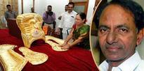 KCR fulfils vow by presenting golden crown to Goddess Bhadrakali
