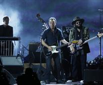 Springsteen Israel show frenzy grows