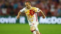 Iniesta wary of 'powerful' Italy