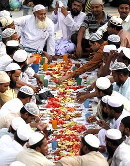 RSS's Muslim wing will serve milk at iftars to spread 'save cow' message