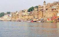 Rising Ganga takes a toll on business on ghats