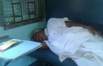 Former Kerala CM Oommen Chandy travels like a common man in sleeper coach, wins praise on social media