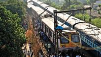 CR local derails, lakh of commuters left stranded