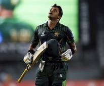 Hamstring injury forces Azhar out of Melbourne ODI
