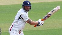 Darren Stevens: Kent all-rounder signs new contract
