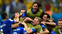 Italy secure slim win over England