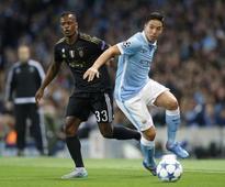 Hiddink defends FA Cup after Chelsea thrash Man City