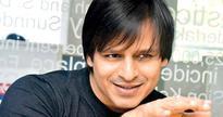 Vivek Oberoi gifts luxury car to father on Diwali