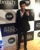 Ranbir Kapoor's charm at Vogue Beauty Awards 2016 will make you fall for him hard!  watch video