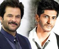 It was Harsh who had predicted that Slumdog Millionaire would win many Oscars, reveals father Anil Kapoor!