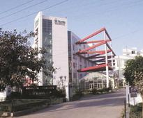 Fortis Healthcare, Religare Enterprises down upto 8% on talk of fraud probe