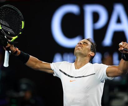 Nadal demolishes Baghdatis to reach third round